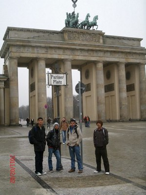 Best prepared by Mr Mishra in Nepal - Language students in Berlin now! The GASP pick-up service package is a good chance for a Berlin City Tour - Pariser Platz - Brandenburger Tor in February 2, 2011